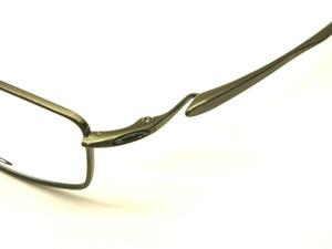 Oakleycapacitorbrushedchrome03