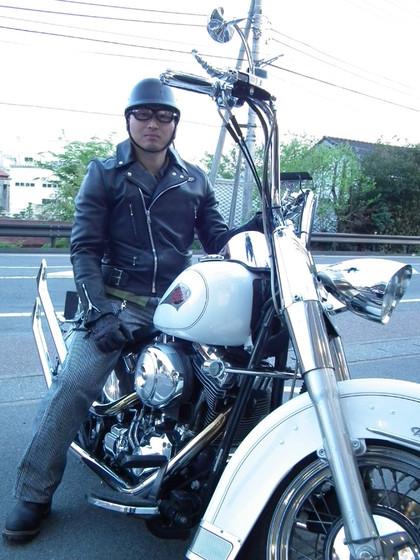 20140504pitbulandgoodmanlensandbike